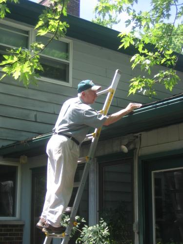 AAlert Home Inspection, your Grayslake Home Inspector, reviews roof edge  & gutter